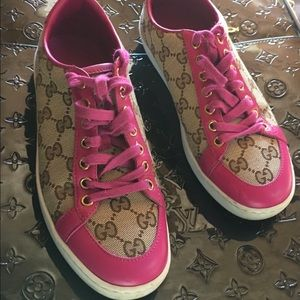 Gucci Shoes - ❤️️FINAL PRICE❤️️Adorable Gucci sneakers