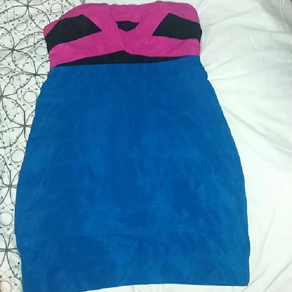 City Triangles Dresses & Skirts - $20. FIRM.Bandage Dress Size Large