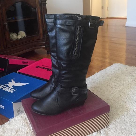 2c3cb36eba0 Brand new boots Boutique