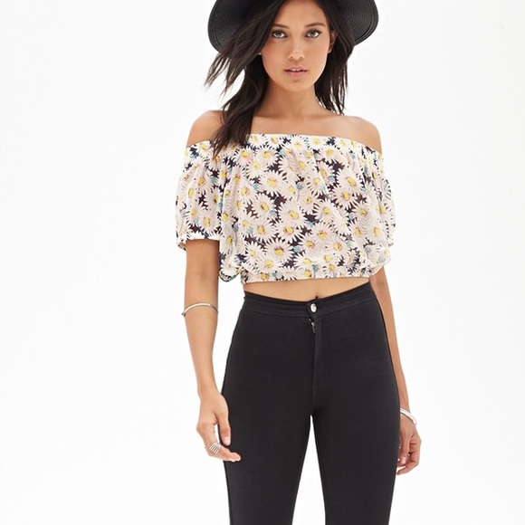 f84116f83fb38 Forever 21 floral fall off the shoulder crop top
