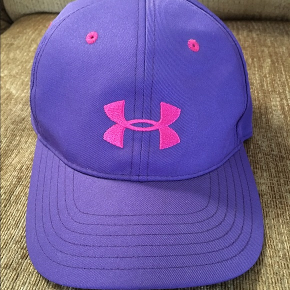 Under Armour youth hat. M 581a821ba88e7db5eb002acd 60af0e41388