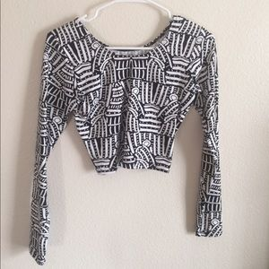 Urban Outfitters crop top // size L