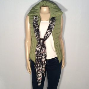 Kenneth Cole green quilted vest