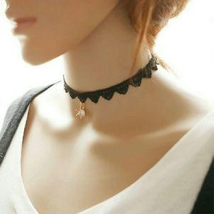 Accessories - choker Necklaces New women Black lace Crown Pendan