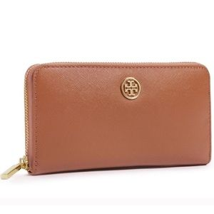 Tory Burch Luggage Continental Wallet