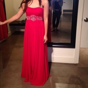 Dresses & Skirts - Red Aria Prom Dress