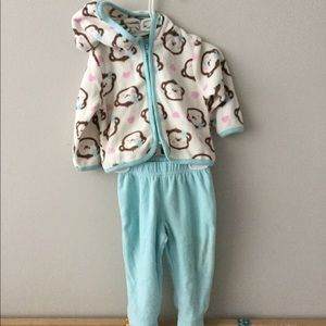 Vitamins Baby Other - Super soft adorable warm footed pants and hoodie