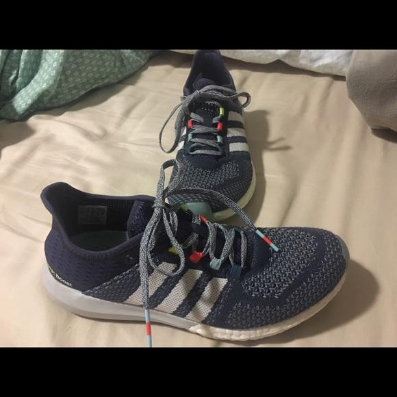 Le Adidas Cosmico Aumentare Dimensioni 7 12 Donne Poshmark
