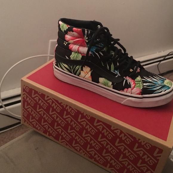 74a34c30450274 Vans Sk8 Hi Hawaiian floral