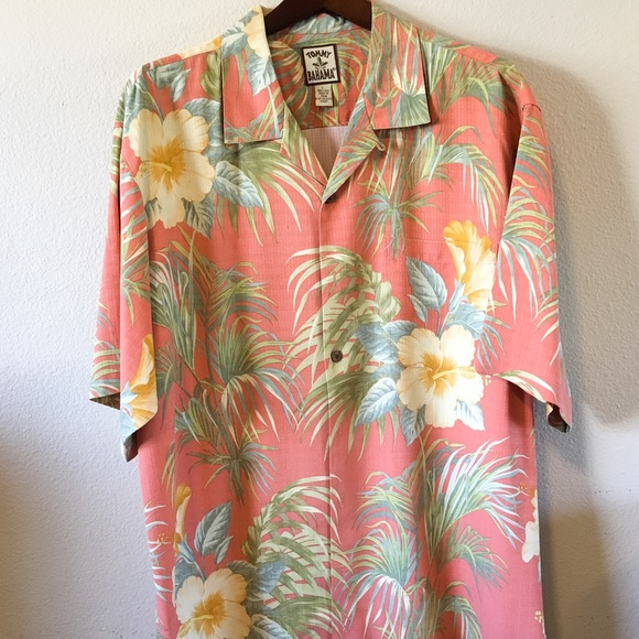 5454be53 Tommy Bahama Men's Hawaiian Shirt. M_581abea78f0fc40c70008611