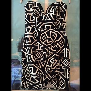 WINDSOR Dresses & Skirts - Strapless Dress • Mini Geometric Print Ruche