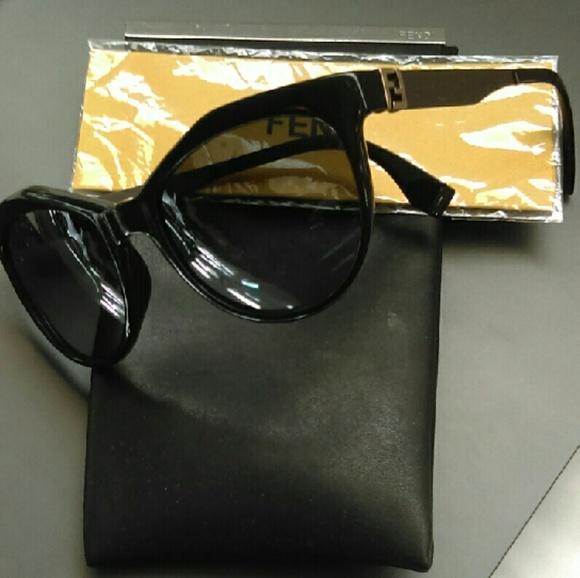 afbdfc215003 Fendi fendista geometric cat eye sunglasses. M_5825861ff739bcef8a05b5af
