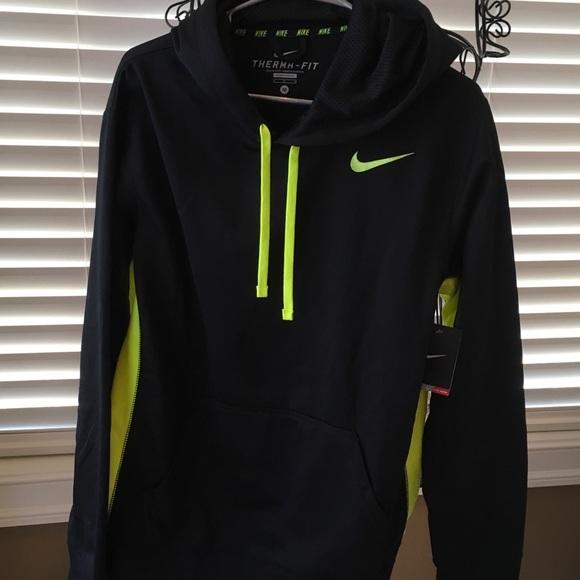 NWT men s Nike hoodie. Therma-fit blow  neon green 5d35785ec