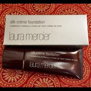 Laura Mercier Other - Laura Mercier Peach Ivory Silk Creme Foundation