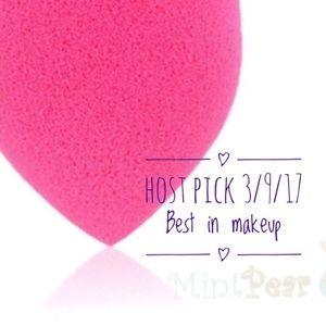 Mint Pear Beauty Other - Mint Pear Beauty blender sponge