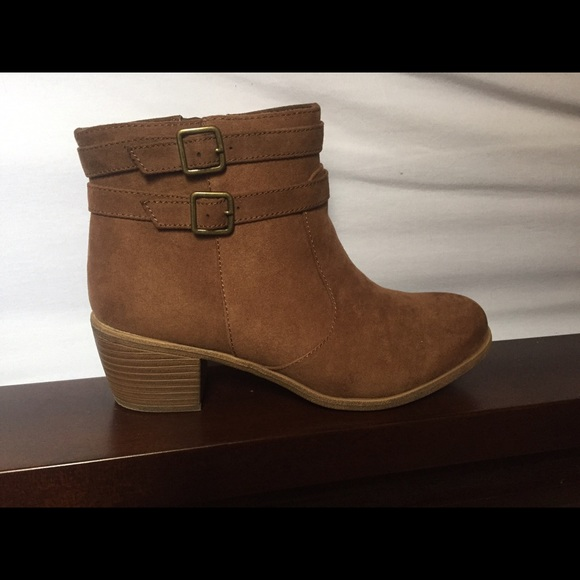 929593737f9 Payless brown suede booties 8 wide