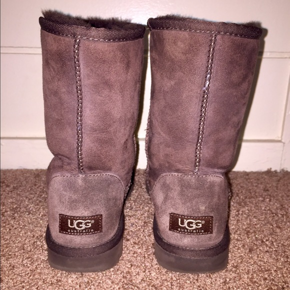 short uggs size 7