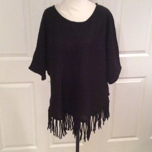 NY Collection Sweaters - Short sleeve charcoal sweater with Fringe