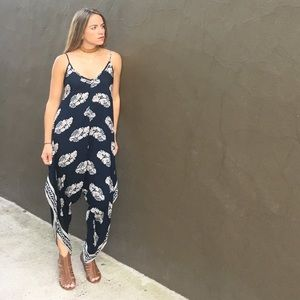 Makemechic Dresses & Skirts - Wide Leg Romper XS Perfect Fit. Makemechic