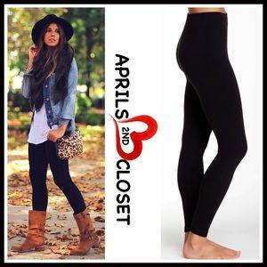 Boutique Pants - ❗1-HOUR SALE❗BLACK LEGGINGS