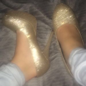 Trask Shoes - Sparkly Gold Pumps