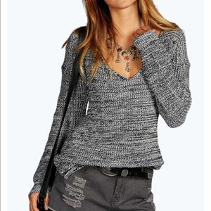 Boohoo Sweaters - NWT boohoo v-neck sweater