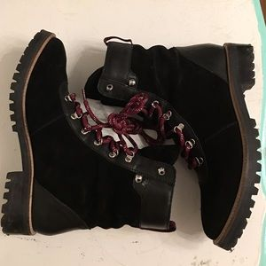c31ef38d8e5 Suede lace up boots hiking style size 8
