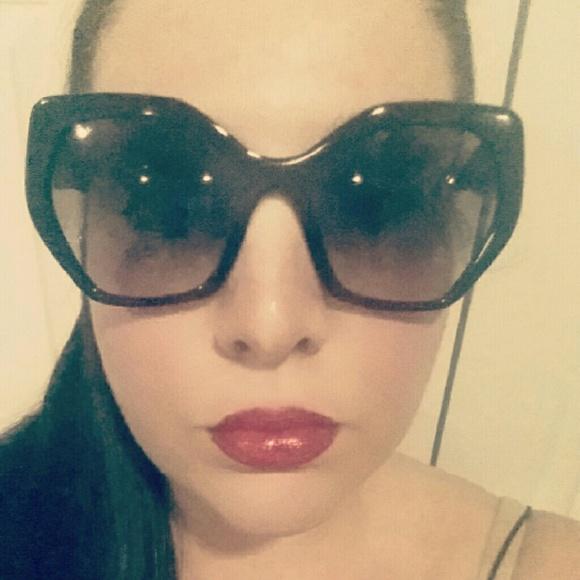 28fda6b0e8e3 Prada Heritage Angular sunglasses. M 582f7a293c6f9f42f8007bca