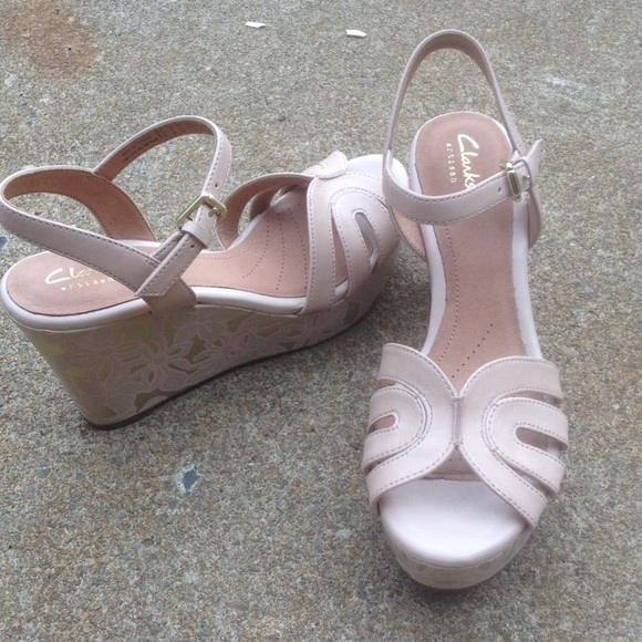 99d68ac17ee Clarks Shoes - Women s Clarks Pink   Gold Wedges ...