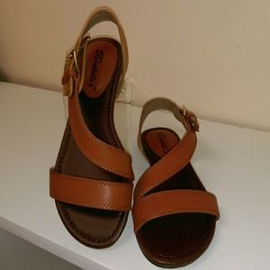 Tan brown strappy sandal. Breckelles.