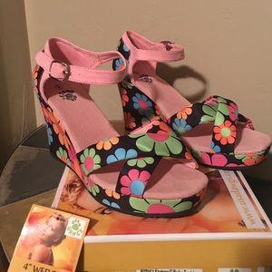 "Dawgs Shoes - 4"" Dawgs wedge sandals"