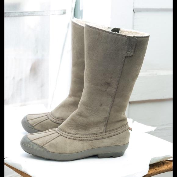 UGG 'Belfair' boot, bouillon waterproof leather