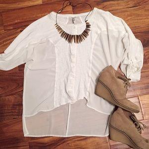 Miilla Clothing Tops - Miilla white linen and sheer hi-lo blouse
