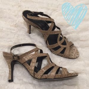 Donald J. Pliner Shoes - Authentic Donald J. Pliner snake heels