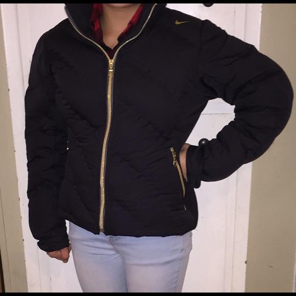 8a418edaf6ea Black Goose Down Nike Puffer Jacket. M 581c20237f0a05ca580128f9