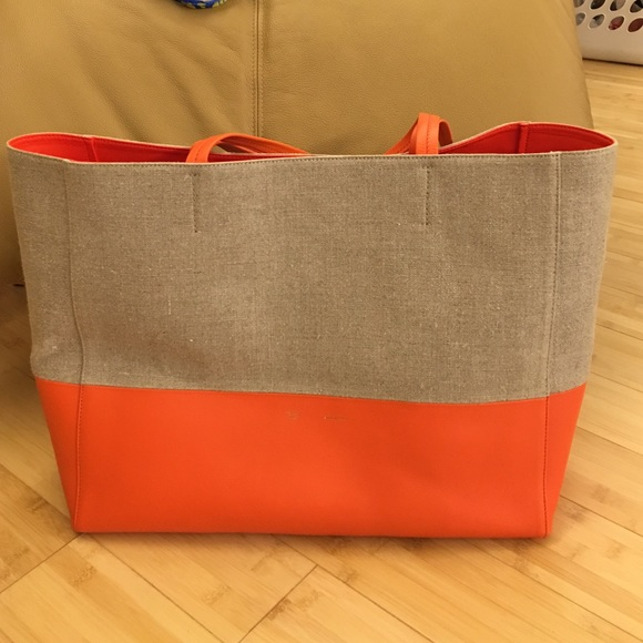 46b8f5a67b9 Celine Handbags - Céline Bi-cabas Tote Orange   Tan Beach Bag