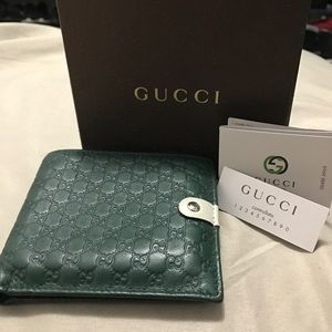 c90ed6cdebe Gucci Bags - Gucci Men s Jolly Green Micro GG Guccissima Bifold