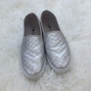Chatties Shoes - Silver Slip On Sneakers