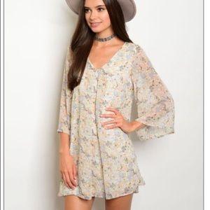Dresses & Skirts - Bell sleeve tunic dress