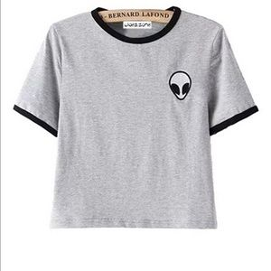 Tops - 👽👽👽NWOT GRAY ALIEN PATCH CROP TOP👽👽👽