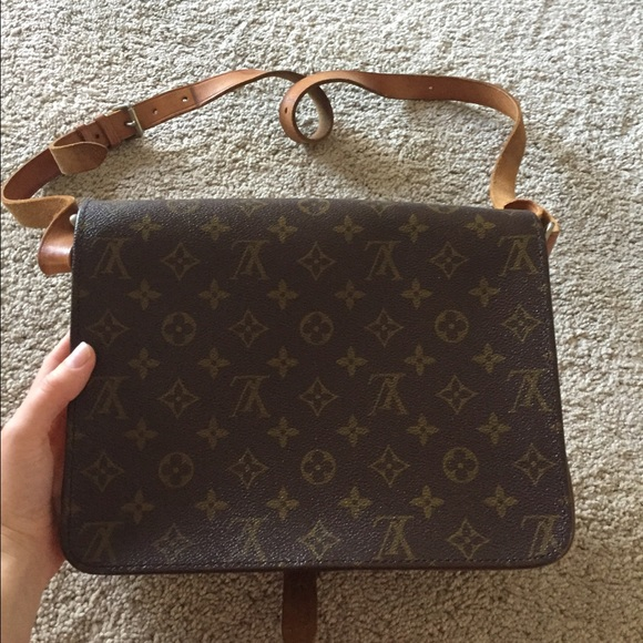Louis Vuitton Bags - Louis Vuitton Authentic Cartouchiere GM Crossbody