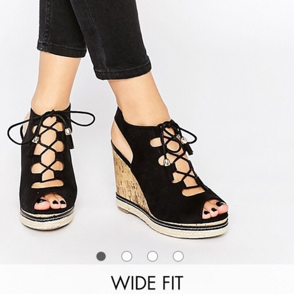 137567b3a19 ASOS New Look Wide Fit Lace Up Wedge Sandal. M 581cc02a2599fe0e5702a8a2