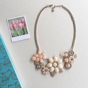Boutique Pastel necklace!