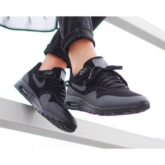 Women's Nike Air Max 1 Ultra Moire Sneakers