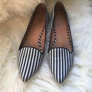 Joie pointed flats