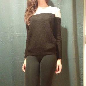 F21 Black & White Knit Sweater size small