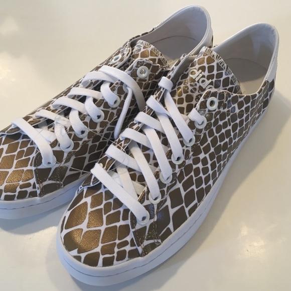 low priced 76efc 0dc59 Adidas Shoes - ADIDAS Court Vantage Copper Metallic SHOE SIZE 10