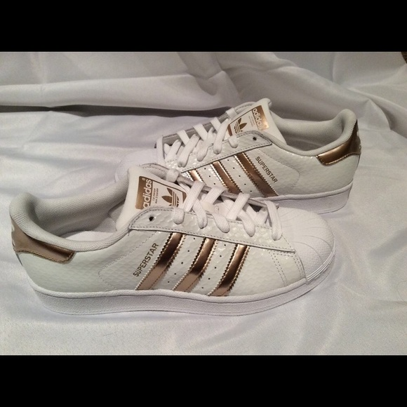26 off adidas shoes adidas superstar rose gold from. Black Bedroom Furniture Sets. Home Design Ideas