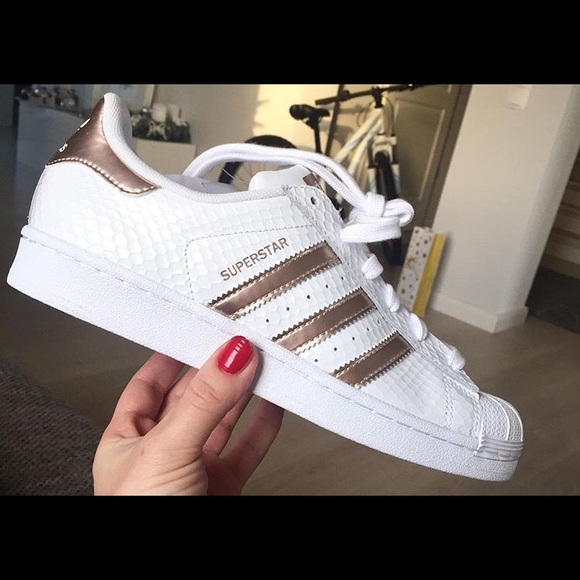 adidas rose gold superstar