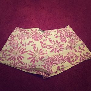 Pants - 5/25 White & purple flower shorts